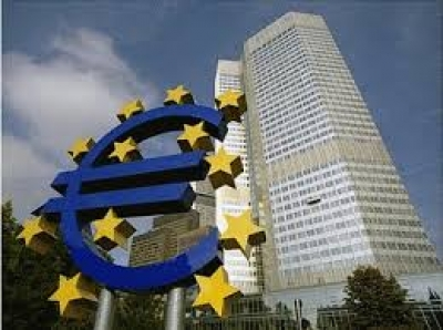 BCE : euro trop fort, inflation trop faible, Draghi muscle son discours