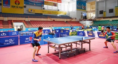Ouverture du 37e Championnat national de tennis de table - Coupe Petro Vietnam