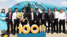 Vietnam Airlines accueille le 100e avion de sa flotte